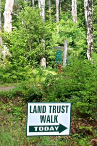 me land trust sign