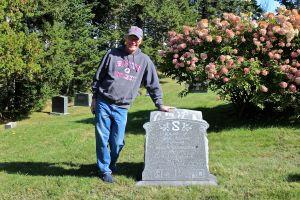 family grave:Allen