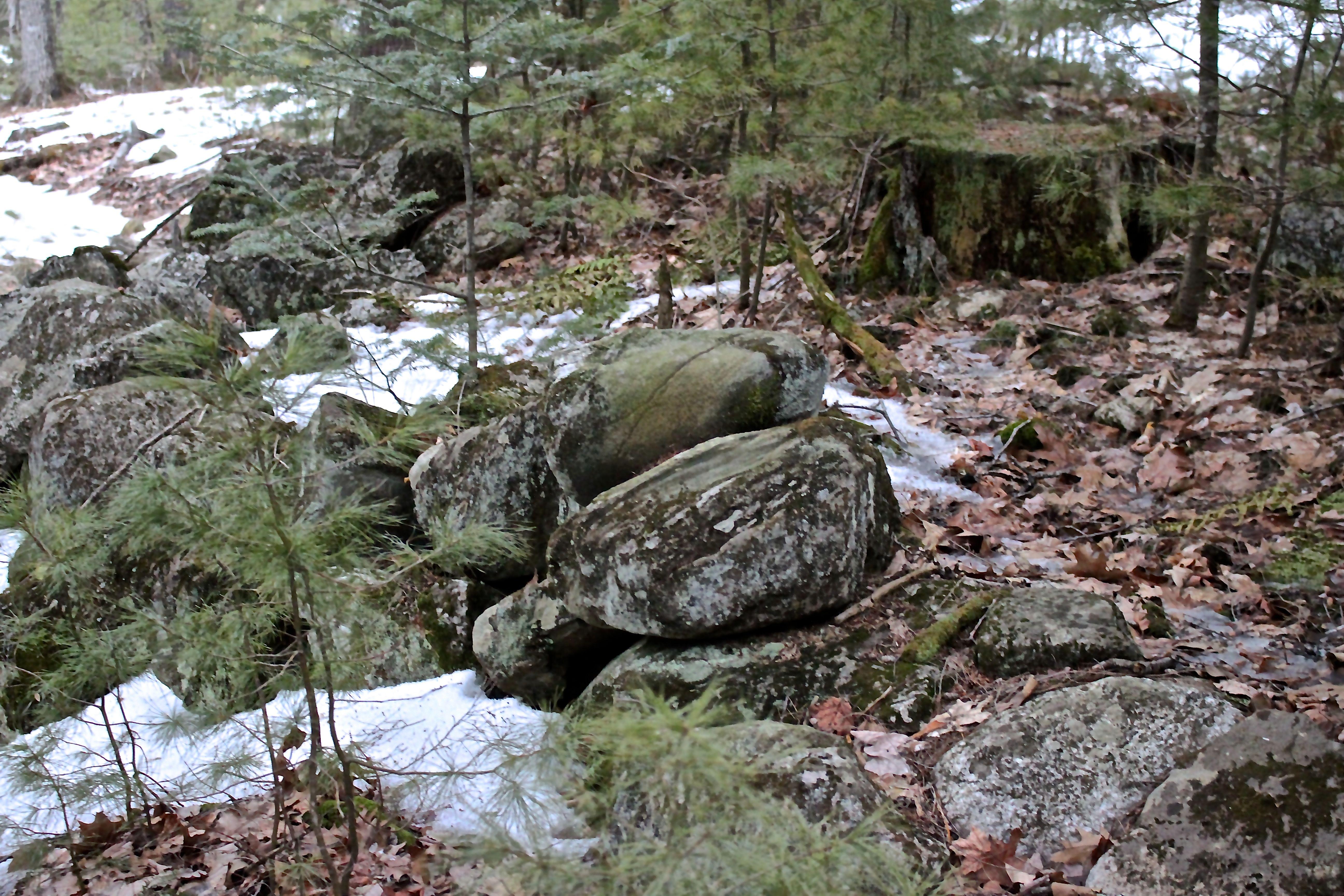 r-stone wall