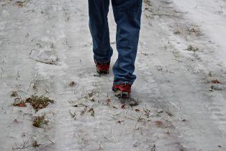 R-walking on ice