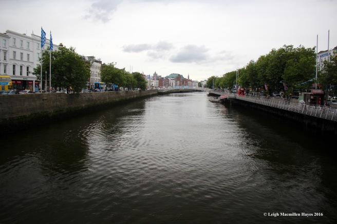 river-liffey-and-quay-dublin