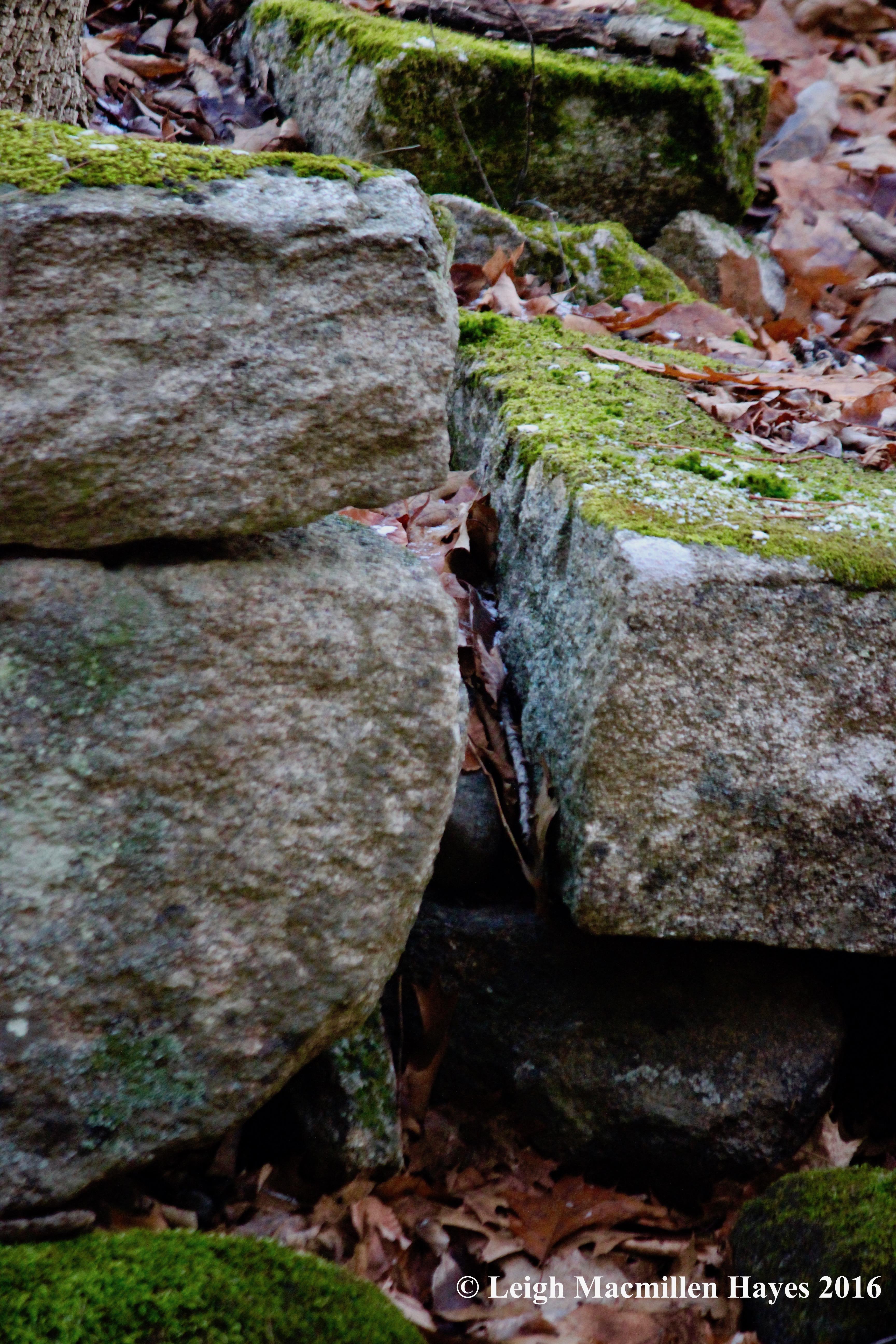 w-split-stone