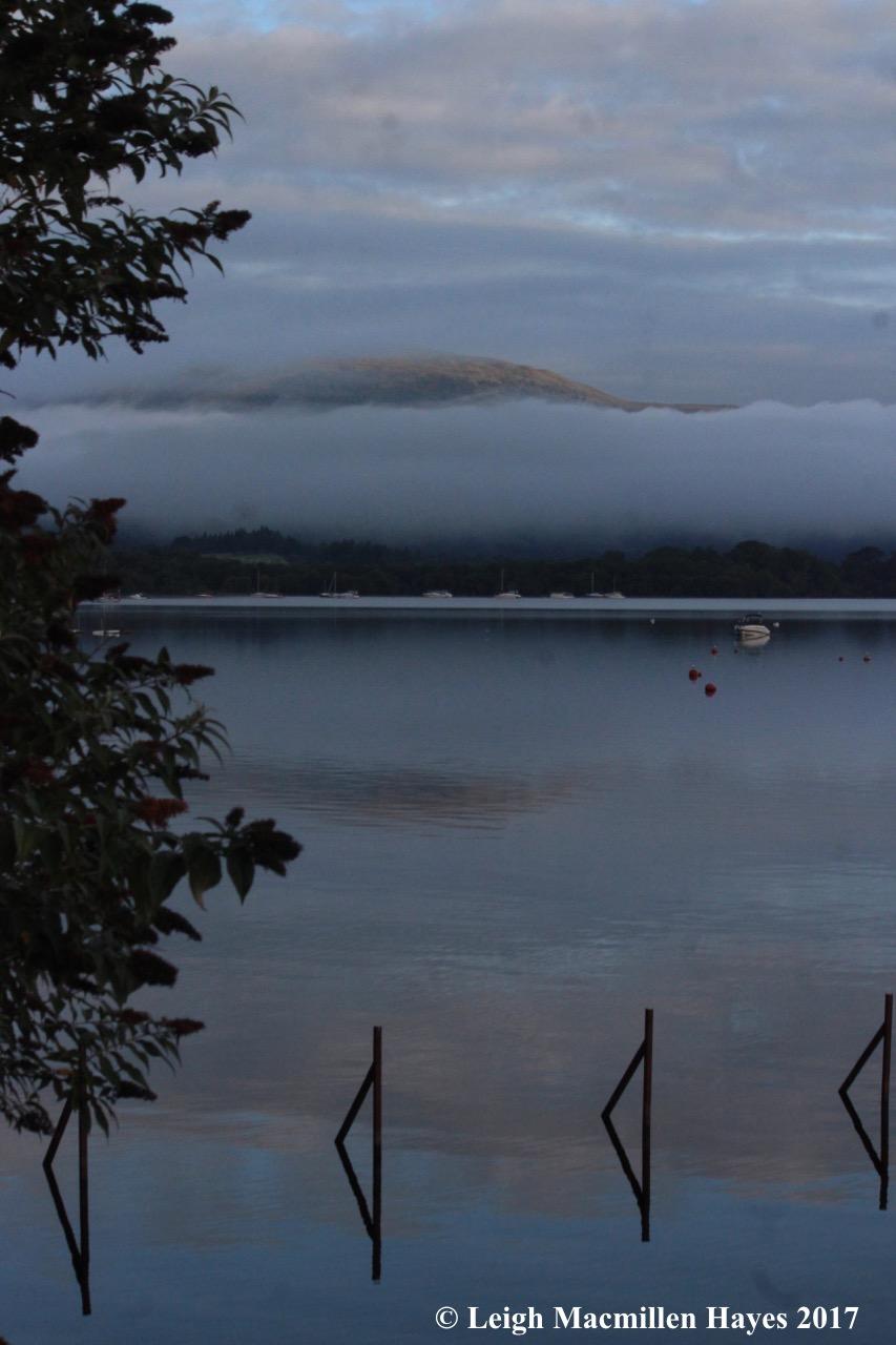 s-Loch Lomond in morning