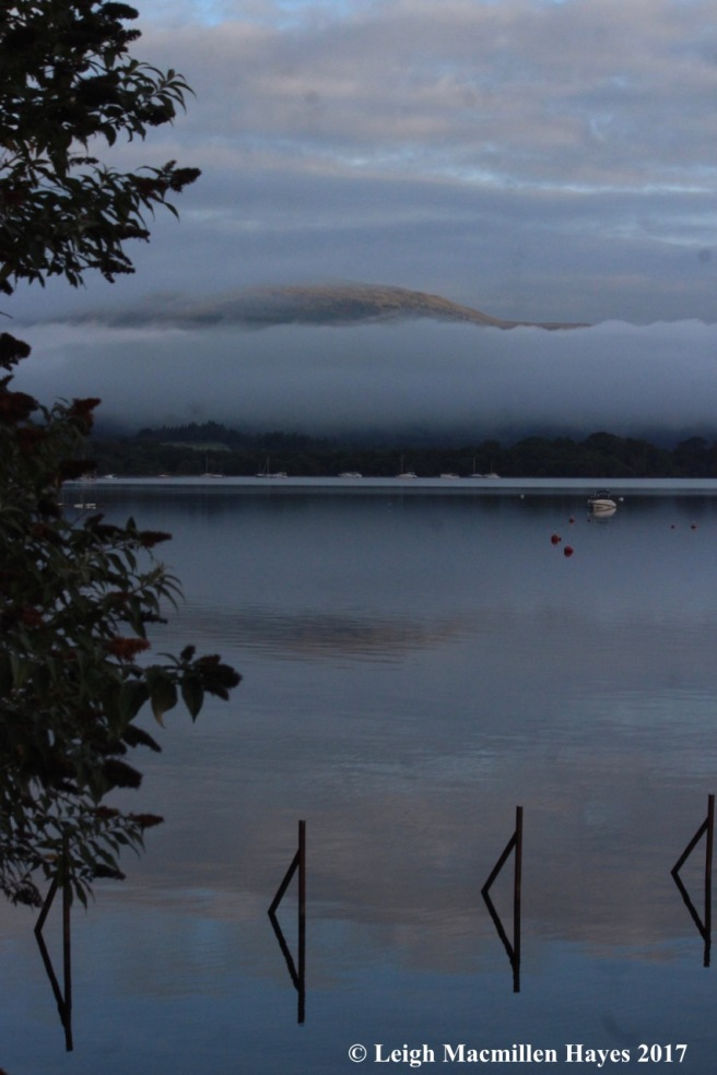 s-Loch Lomond in morning