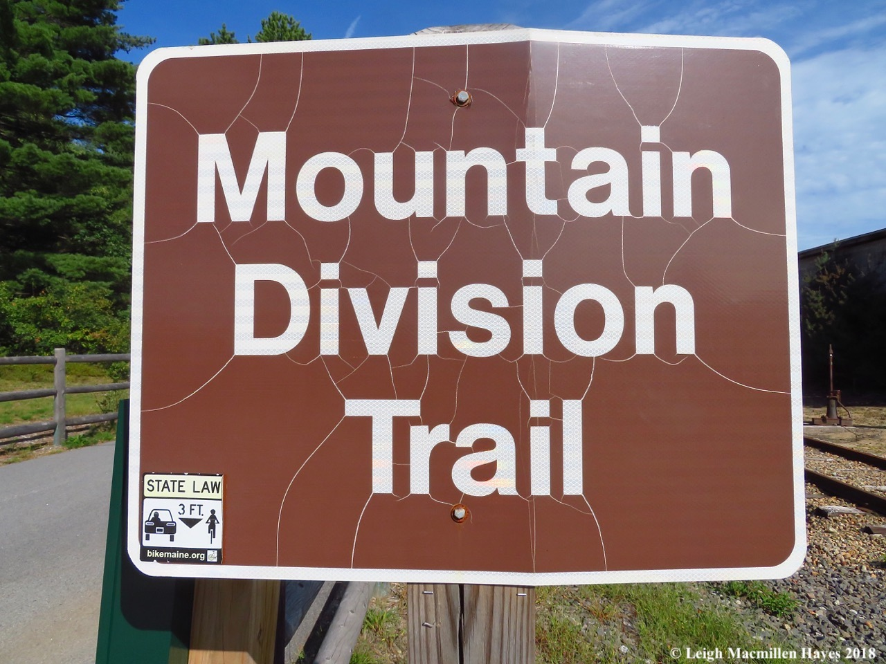 1-trail sign